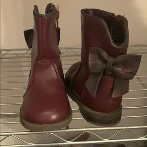 Cat &Jack size 7 maroon bow boots - so beautiful!